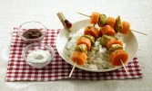 Brochette carotte et volaille au curry